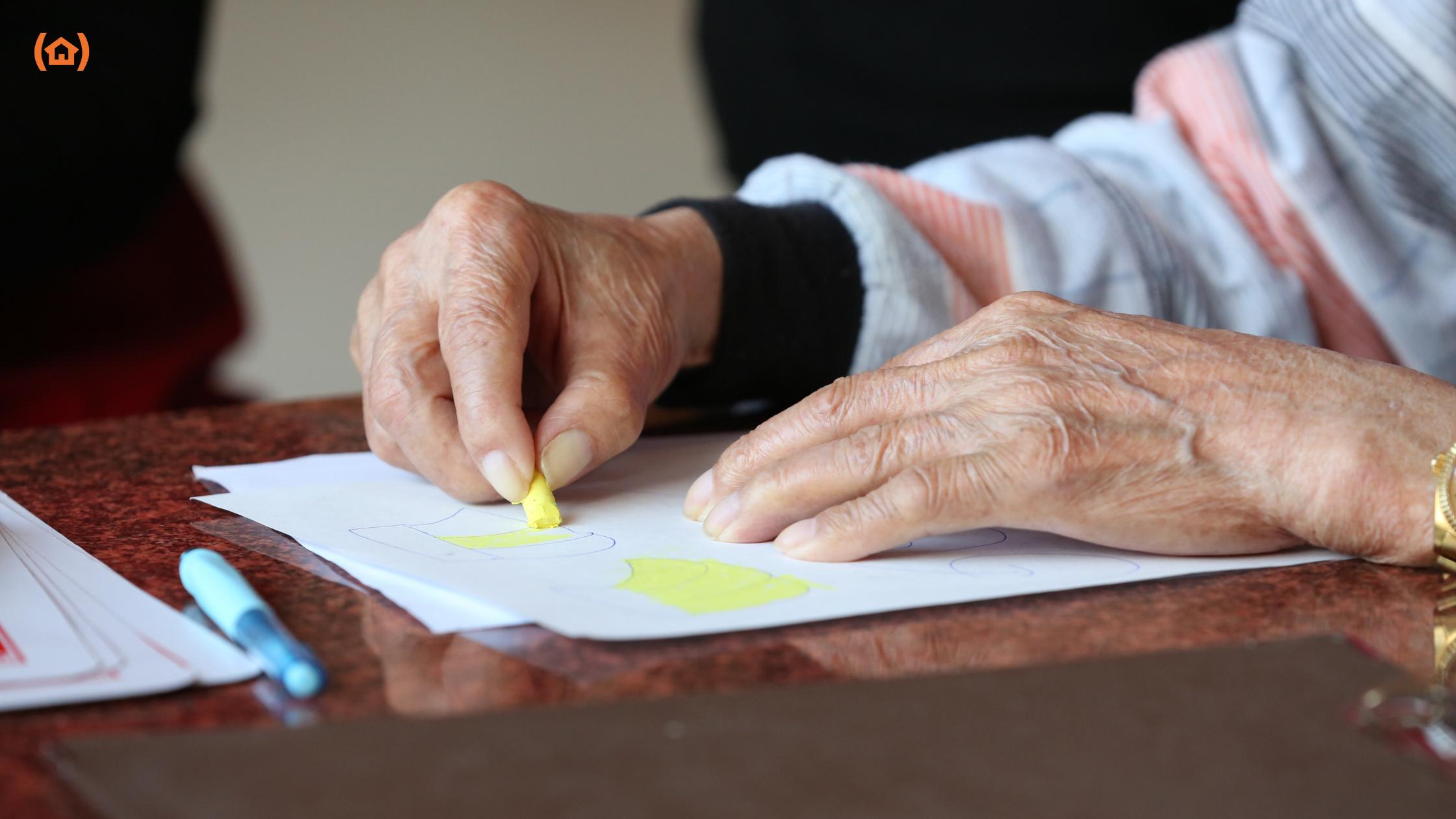 La práctica de ejercicios para personas mayores con artritis es muy beneficiosa para retardar el deterioro de las articulaciones causado por esta enfermedad.