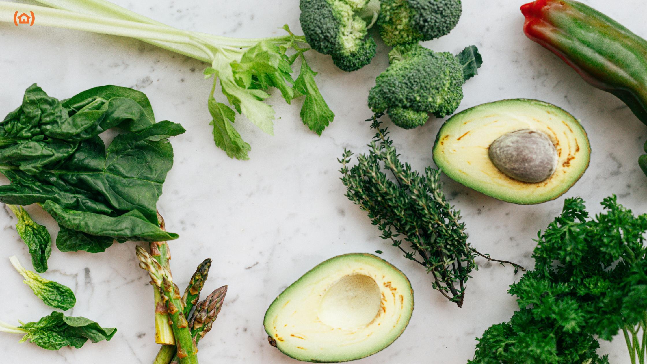Existen alimentos que facilitan la digestión y, por consiguiente, nos hacen sentir mejor después de las comidas. Descúbrelos en nuestro artículo del blog.